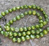 Sötvattenspärlor nugget - Grön, 7- 8mm, 1 sträng