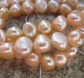 Sötvattenspärlor nugget - Svagt rosa, 8-9 mm, 1 sträng