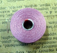 S- Lon bead thread - Light Orchid, strl D, 1 rulle